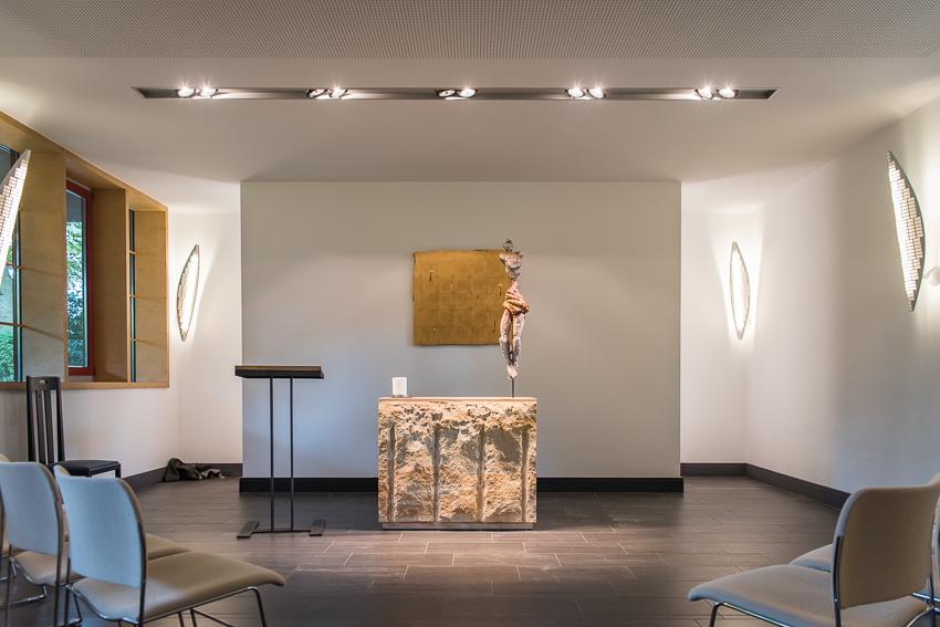 Zu schön, um wahr zu sein / neues Altarbild, broken gold in der Kapelle Schwanenwerder
